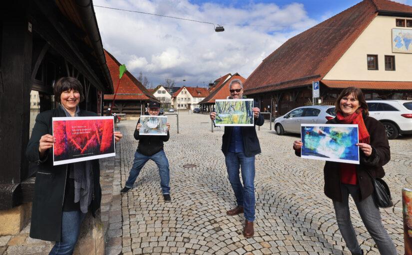 Michaela Pesch (pesch grafik design), Walther Stonet (zugetextet.com), Ulrich Koch (Leiter Stadtbücherei Metzingen), Barbara Haußmann (KunstRaum Metzingen) (c) Thomas Kiel, Sudwestpresse Metzingen